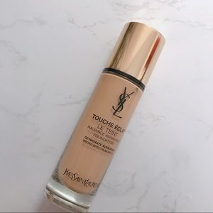 [SOLD] YSL Touche Eclat Radiance Foundation